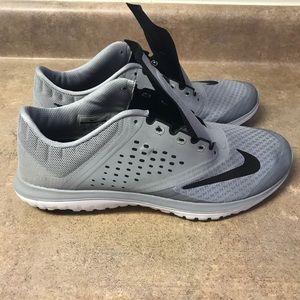 Men's Nike Fitsole Sneaker, size 11